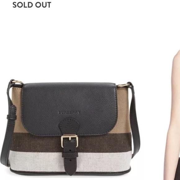c8f838a9e3ff Burberry Handbags - 💞TRADE💞Burberry Small Gowan Black Crossbody